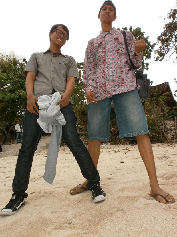 Foto gue sama Irfan setelah sampai pantai
