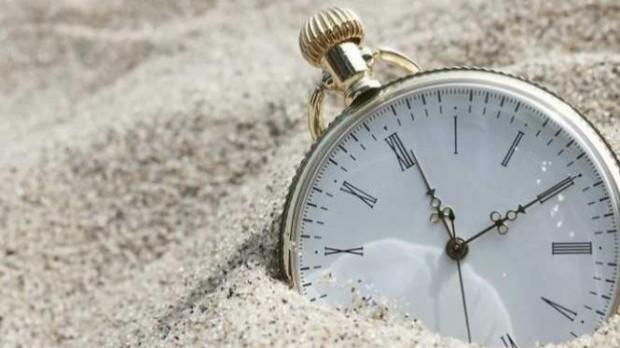 Membuang-Buang Waktu