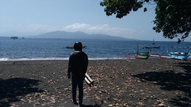 Pemandangan Laut Belakang Banyuwangi Beach 1