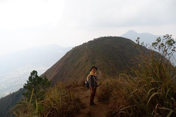 Berfoto di Spot Terbaik Gunung Andong