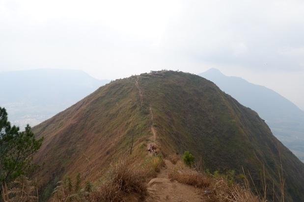 Pemandangan Puncak Gunung Andong