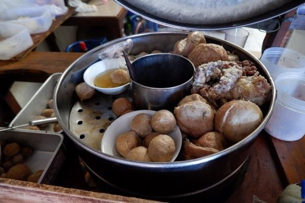 Bakso Mblenger Dalam Dandang