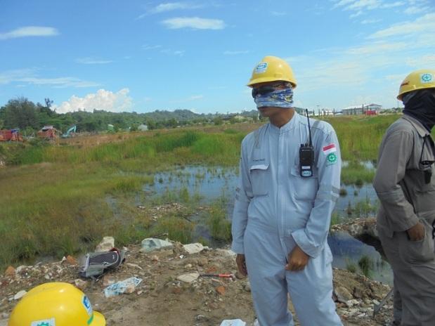 Surveyor Menggaruk